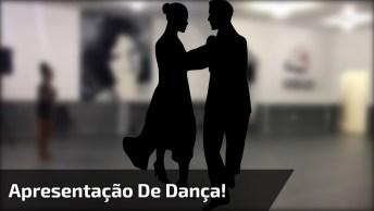 Dupla Dançando Música Que Envolve A Gente, Que Linda Apresentação!