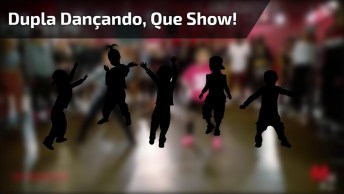 Dupla De Crianças Dançando, Olha Só Como Eles Mandam Bem, Perfeito!
