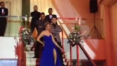 Formanda Faz Entrada Triunfal Em Seu Baile, Da Série Se Não For Pra Ser Assim. . .
