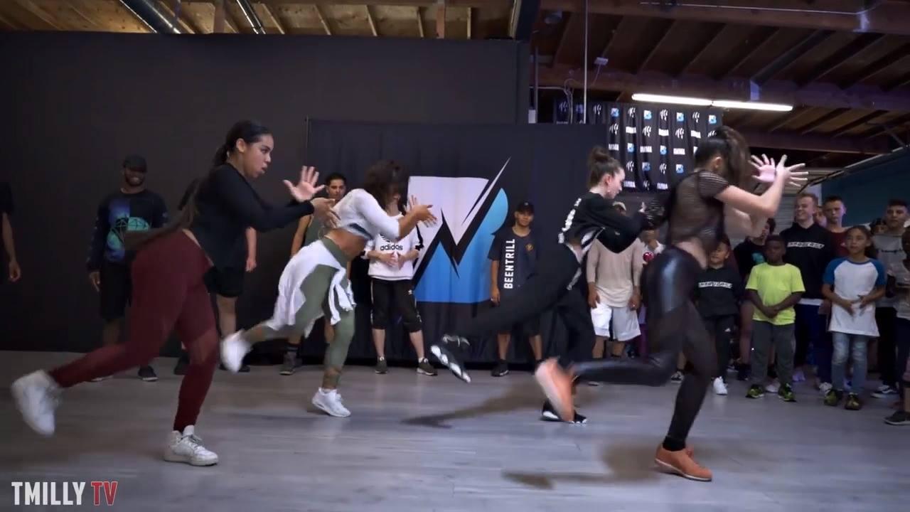 Garotas dançando olha só que legal esta coreografia