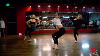 Garotas Dançando, Veja Que Belíssima Apresentação. Dança É Vida!