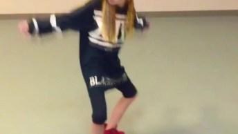 Garotinha Dançando Hip Hop, Veja Como Ela Manda Bem Na Dança!