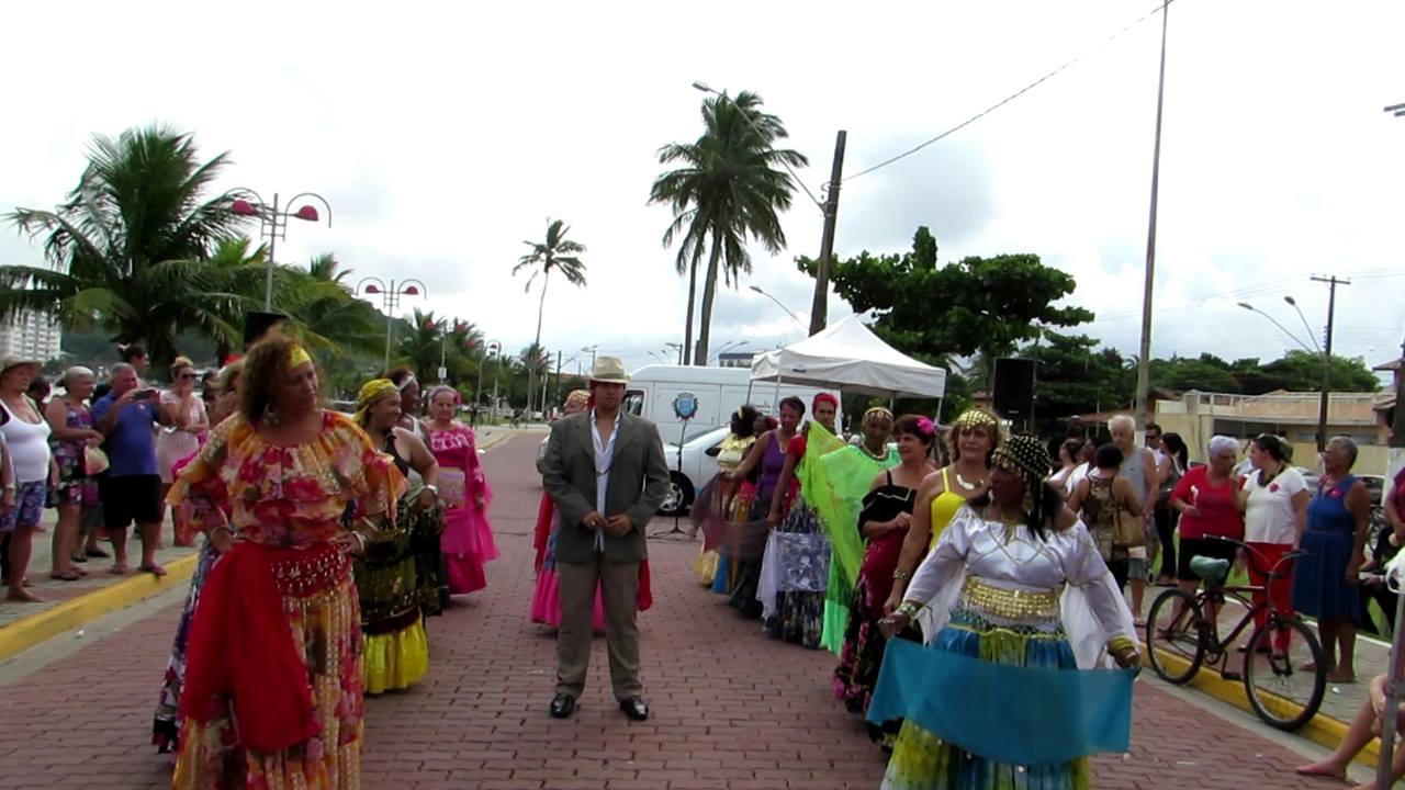 Grupo de dança cigana, veja como é linda a cultura deles