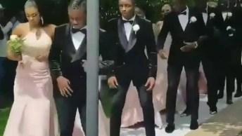 Madrinhas E Padrinhos Entram Dançando, Veja Como Ficou Legal!