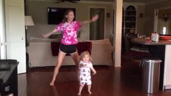Que Coisa Mais Lindinha Esta Menininha Dançando! As Crianças São Demais!