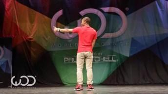 Rapaz Surpreende A Todos Com Uma Dança Super Diferente, Confira!