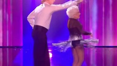 Senhora Da Um Show De Dança Em Programa De Talentos, Vale A Pena Conferir!