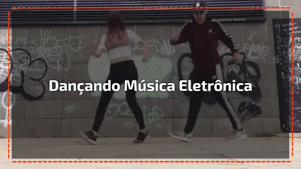 Dançando música eletrônica