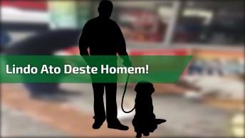 Homem Cuida De Cachorros Que Moram Na Rua, Veja Que Cuidado!