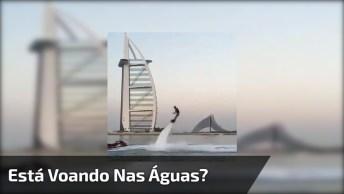 Esporte Praticado No Mar, Parece Que A Pessoa Está Voando Nas Águas!
