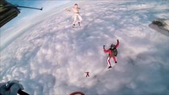 Homem Pula Sem Paraquedas De Um Balão, Veja Como Ele Se Salvou!