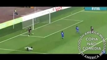 Jogador Perde Um Gol Que Estava Quase La Dentro, Sei Que É Errado Mas Pode Rir!