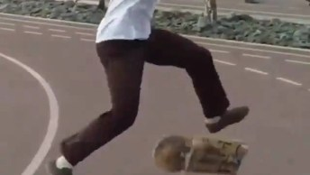 Manobras Radicais Feitas Com Skate, Simplesmente Sensacional!