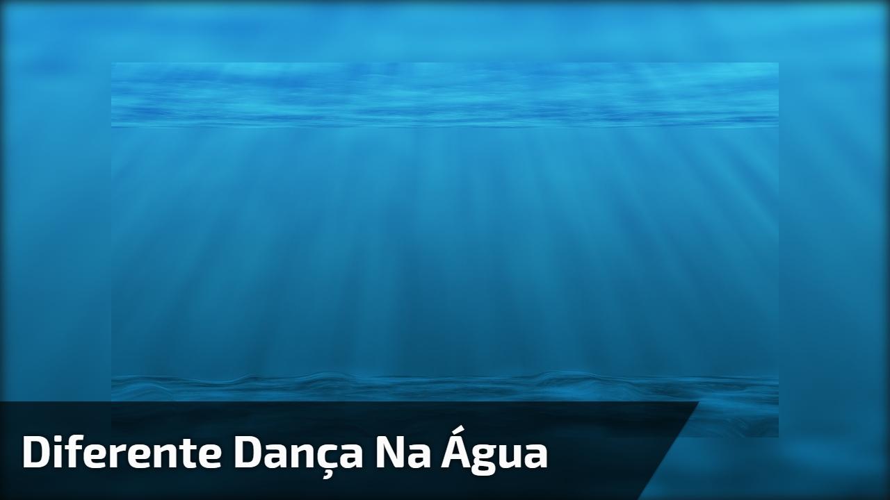 Diferente Dança na água