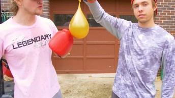 Balões Enchidos Com Água Em Câmera Lenda, O Efeito É Muito Legal!