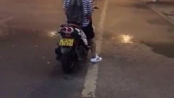 Chuva Em Apenas Metade Da Estrada, Olha Só Que Impressionante Este Vídeo!