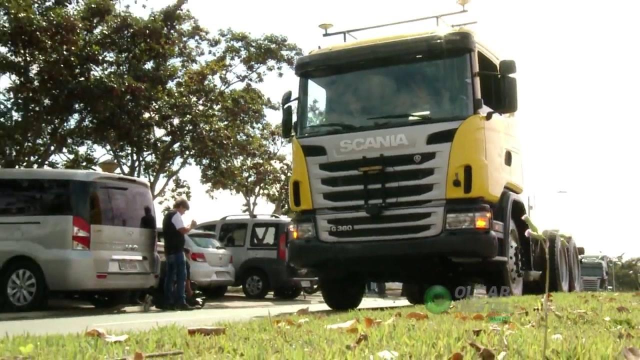 Confira o primeiro caminhão brasileiro que dirige sozinho