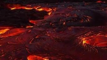 Imagens Impressionantes De Lavas Vulcânicas Saindo De Um Vulcão Em Erupção!