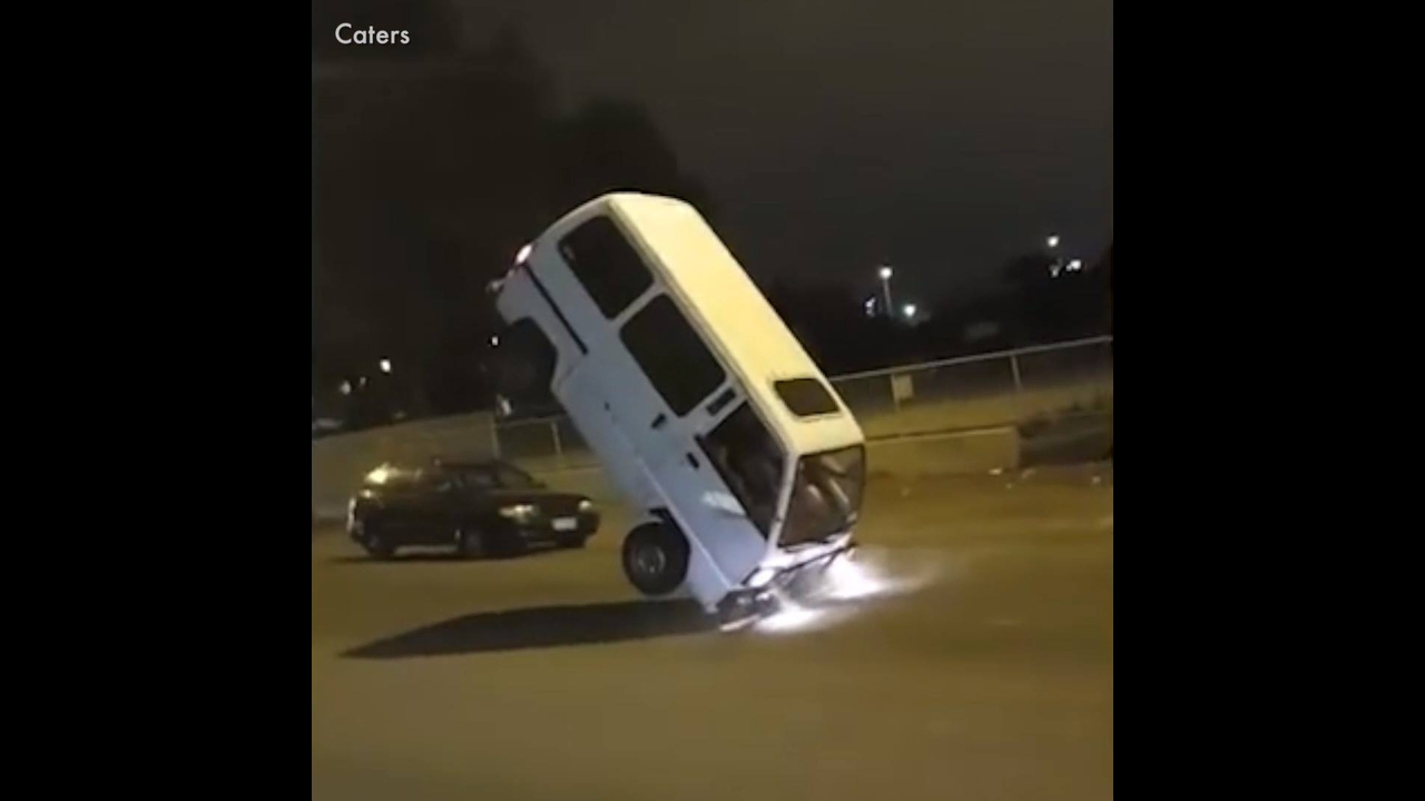 """Imagens impressionantes de quase acidentes, essas pessoas """"mitaram"""" hahaha!"""