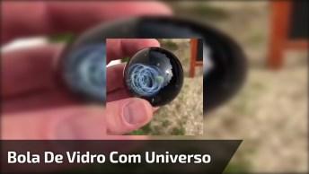 Impressionante Bola De Vidro Com Miniatura De Universo Dentro!