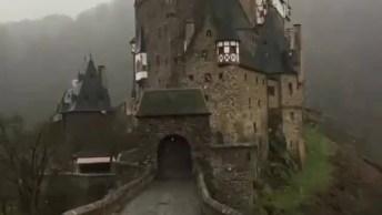 Impressionante Castelo Eltz Que Fica Na Germania, Simplesmente Encantador!
