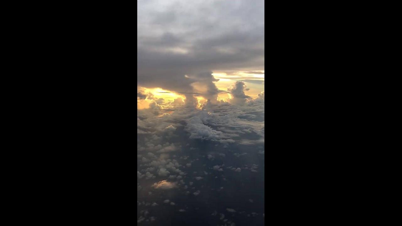 Impressionante céu visto de dentro de uma avião, confira que lindas imagens!!!