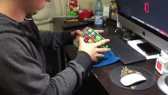 Impressionante Chileno Resolve O Cubo Magico Mais Difícil Do Mundo!