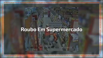 Impressionante Este Vídeo De Um Roubo Em Um Supermercado A Uma Senhora, Confira.