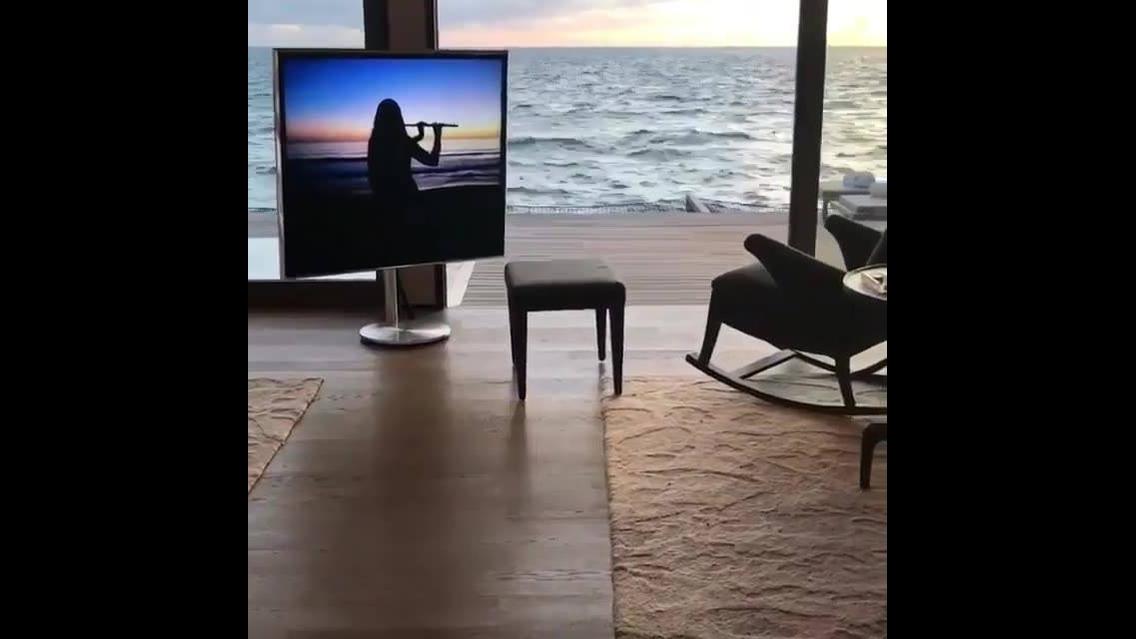 Impressionante hotel a beira mar, com piscina