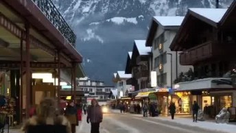 Impressionante Paisagem De Vilarejo Na Suíça, Vale A Pena Conferir!