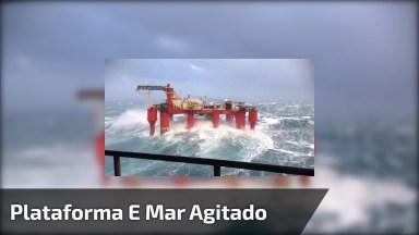 Impressionante Plataforma De Petróleo Sendo Atingida Por Ondas Fortíssimas!