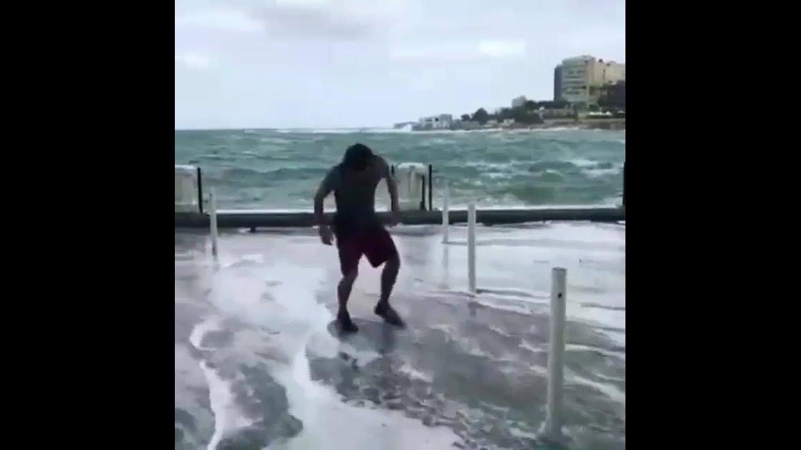 Impressionante salto mortal