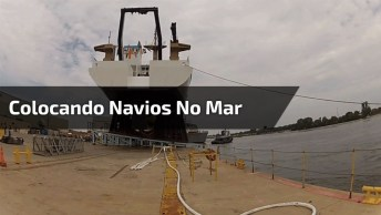 Impressionante Vídeo De Barcos Sendo Colocados No Mar, Veja Que Incrível!