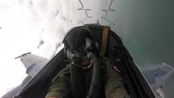 Impressionante Visão De Um Piloto De Caça Dentro De Avião Em Pleno Voo!