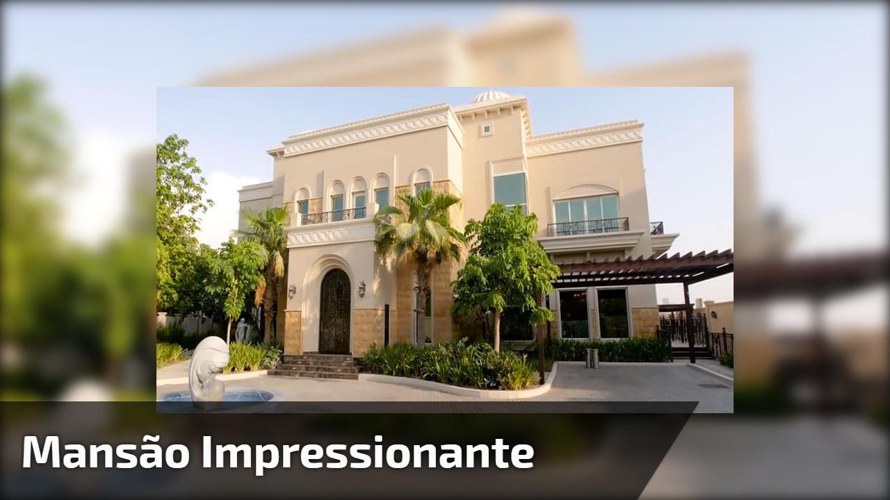 Mansão impressionante, veja que coisa mais linda os detalhes desta casa!!!