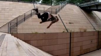 Pessoa Salta Uma Escada Com Muitos Degraus, Sem Relar Em Nenhum Deles!