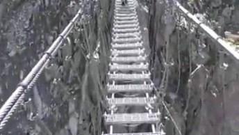 Ponte Impressionante De Altura E Forma Que Ela É Feita, Chega A Dar Agonia!