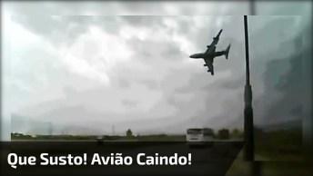 Que Susto! Meu Deus! Imagine Cair Um Avião Deste Pote Em Sua Frente!