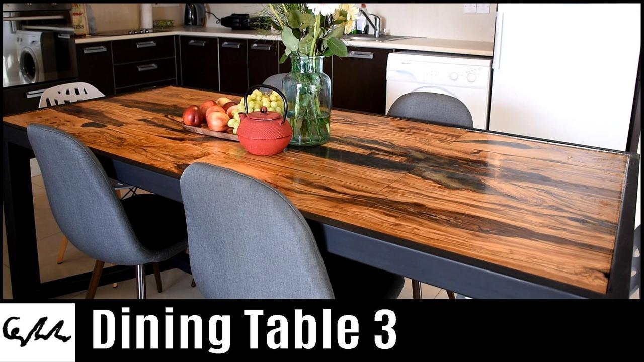 Vídeo com mesa de madeira impressionante sendo fabricada