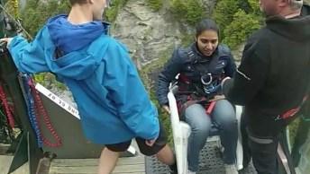 Vídeo Com Queda Em Bungee Jumping Em Nova Zelândia, Confira!