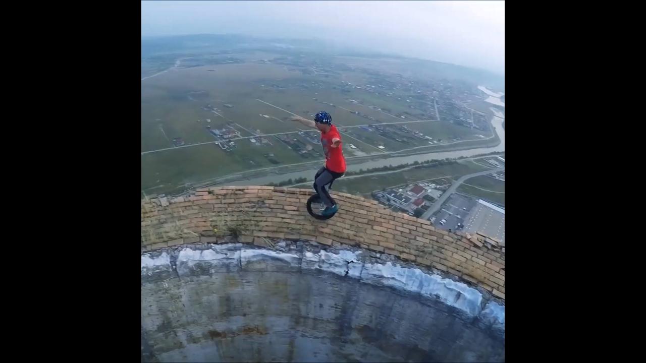 Vídeo impressionante com pessoas praticando esporte em lugares altíssimos