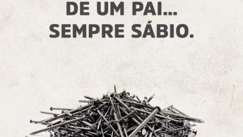Lição Do Pai Para Seu Filho Com Os Pregos Na Cerca De Madeira!