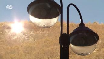 Veja Como Foi Resolvido O Problema De Falta De Luz Solar Em Vilarejo Na Itália!
