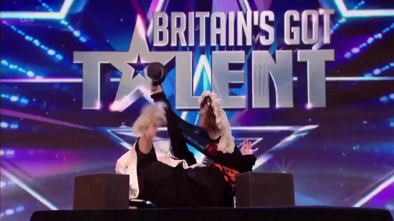 A performance desta mulher em um programa de talentos é demais