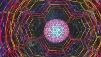 Caleidoscópio - Veja Como É Por Dentro Desse Aparelho Óptico!