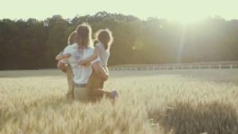 Como Seria Um Contrato Entre Pai E Filho? Veja No Vídeo E Seu Emocione!