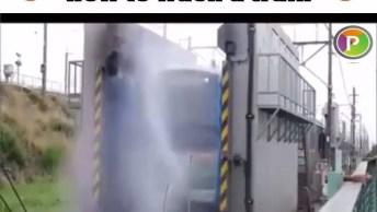 Duas Maneiras De Se Lavar Um Trem, Hahaha! Olha Só Estes Dois Vídeos!