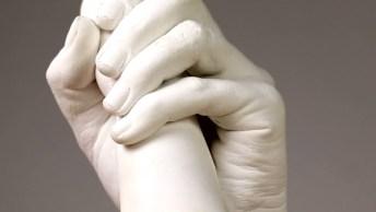 Faça A Sua Mão Com A Do Seu Filho( A) Com Gesso Na Sua Casa!