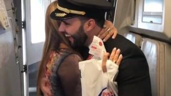 Mãe Se Emociona Ao Ver Filho Como Comandante Do Avião, Vale A Pena Conferir!