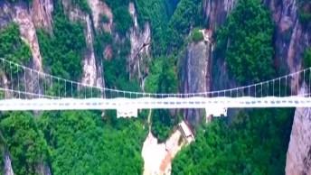 Maior Ponte De Vidro Fica Em No Parque De Zhangjiajie, Na China!